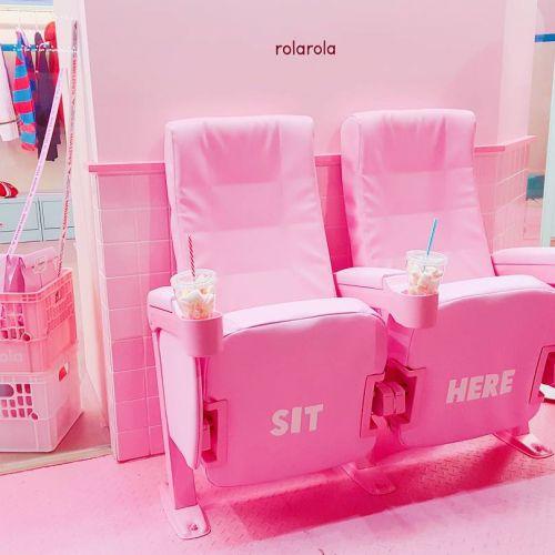 最新!韓国アイドル愛用ブランド【rolarola】がフォトジェ♡のサムネイル画像