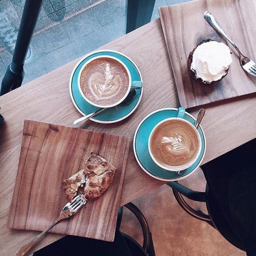 インスタグラムを冬色に!【ラテアート】が頼めるカフェ3選♡のサムネイル画像