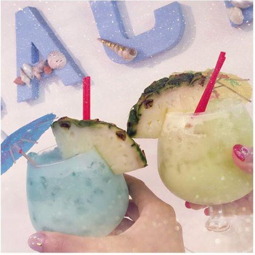 真っ白な砂浜はまるでハワイ♡SNSで話題の【砂浜カフェ】って?のサムネイル画像
