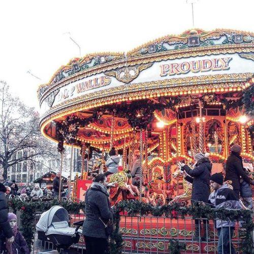 本場の楽しみ方、教えます♡ヨーロッパ【クリスマスマーケット】3選のサムネイル画像