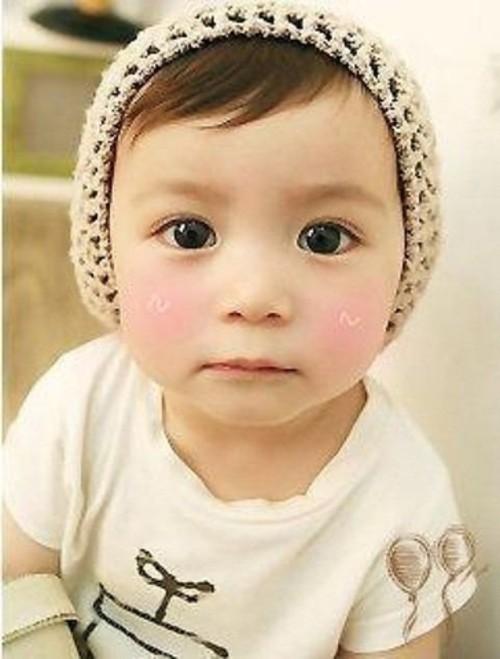 赤ちゃんはいつから二重まぶたになるの?二重に関する疑問を徹底解明のサムネイル画像