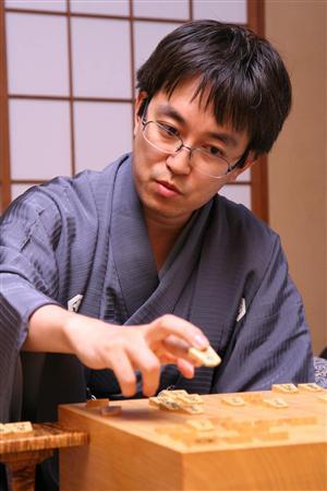 【将棋界の生ける伝説】羽生善治のすごすぎる伝説をご紹介!のサムネイル画像