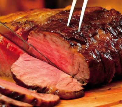 パーティーや夜食ぴったり!実は簡単ローストビーフのレシピのサムネイル画像