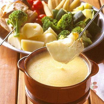 家庭でも簡単にできるチーズフォンデュの作り方&お勧め材料ご紹介!のサムネイル画像