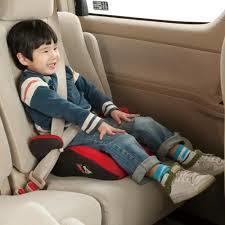 子供を守るチャイルドシート!ジュニアシートはいつから切り替える?のサムネイル画像