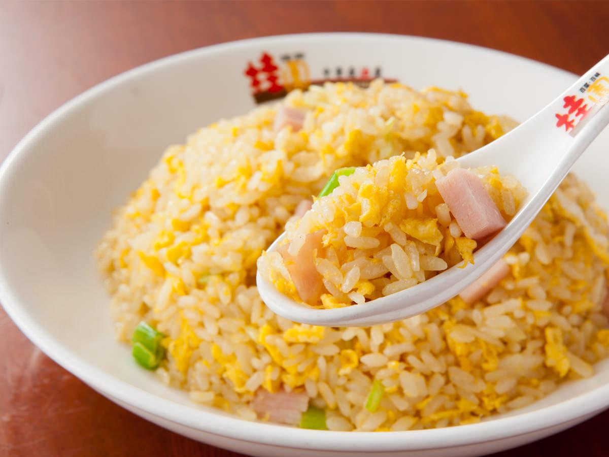 つい誰かに食べてもらいたくなる!チャーハンのレシピを大公開!のサムネイル画像