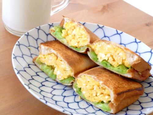 オシャレな朝食をご家庭で!色々な種類のホットサンドの作り方!のサムネイル画像