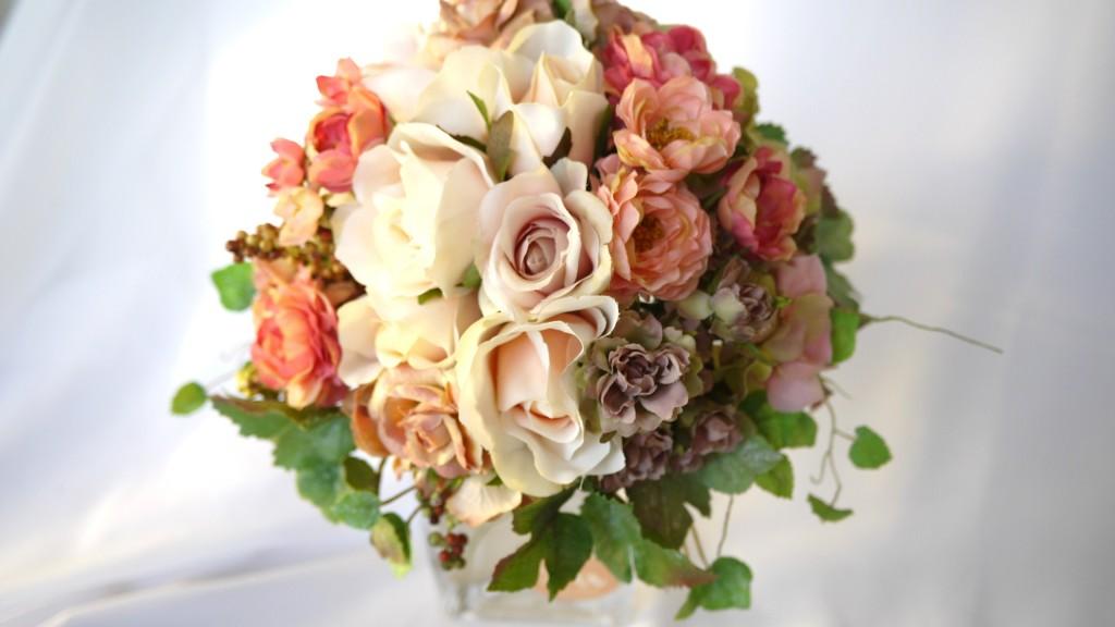結婚式に人気のお花の種類まとめ☆花言葉による演出はいかがですか?のサムネイル画像