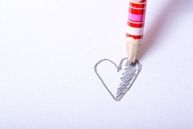 一目惚れから告白へ!!アプローチの仕方と成功の秘訣とは?のサムネイル画像