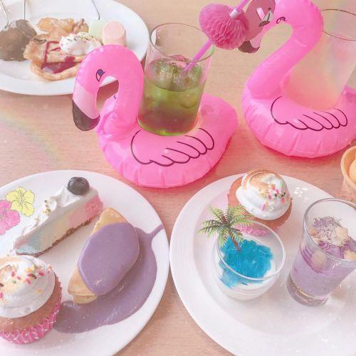 SNS女子の天国!虹色スイーツ食べ放題の《ハワイアン・パラダイス》のサムネイル画像