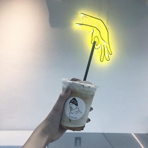アメリカンな雰囲気がかわいい!神戸発の《下北沢》おしゃれカフェ♡のサムネイル画像