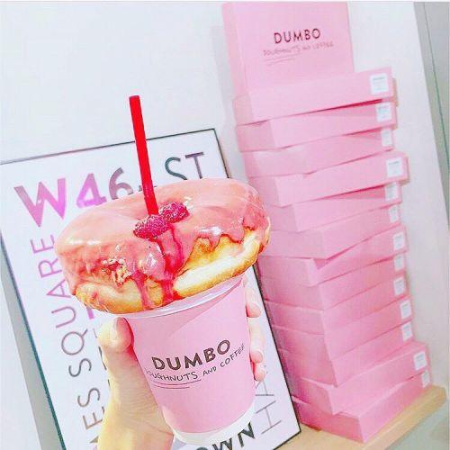 思わずパシャリ!《都内》キュートすぎるドーナッツのお店3選♡のサムネイル画像
