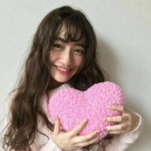 【愛されキャラ】になるには?男女ともに好かれる子の特徴3つ♡のサムネイル画像