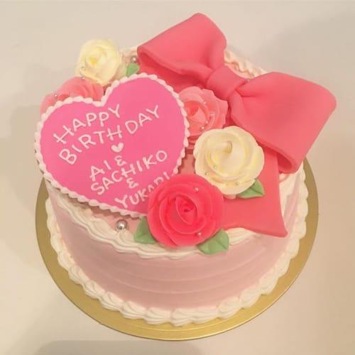 お友達に喜んでほしい♡可愛い【バースデーケーキ】でお祝いしよう!のサムネイル画像