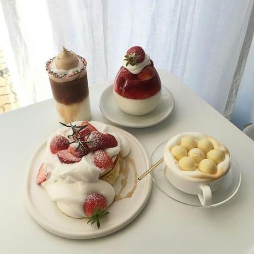 冬に食べたい!期間限定の【いちご】たっぷりの幸せスイーツ3選♡のサムネイル画像
