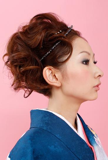 和装にぴったり!おすすめのヘアスタイルを長さ別でご紹介します!のサムネイル画像