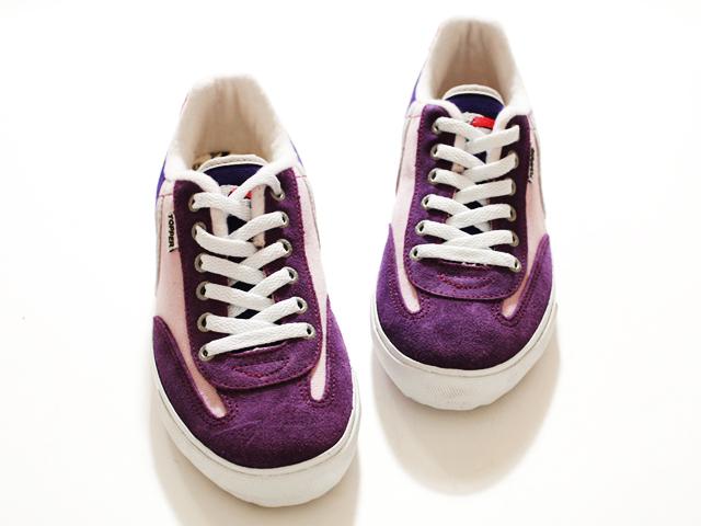 便利な靴スニーカー!スニーカーの特徴と、人気メーカーの紹介!のサムネイル画像