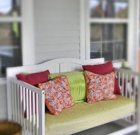 素敵!使わなくなったベビーベッドをDIYして家族が使える家具に!のサムネイル画像