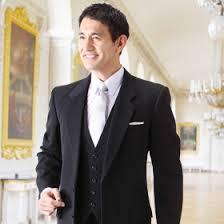 結婚式にピッタリでフォーマルなスーツとその選び方をご紹介します!のサムネイル画像