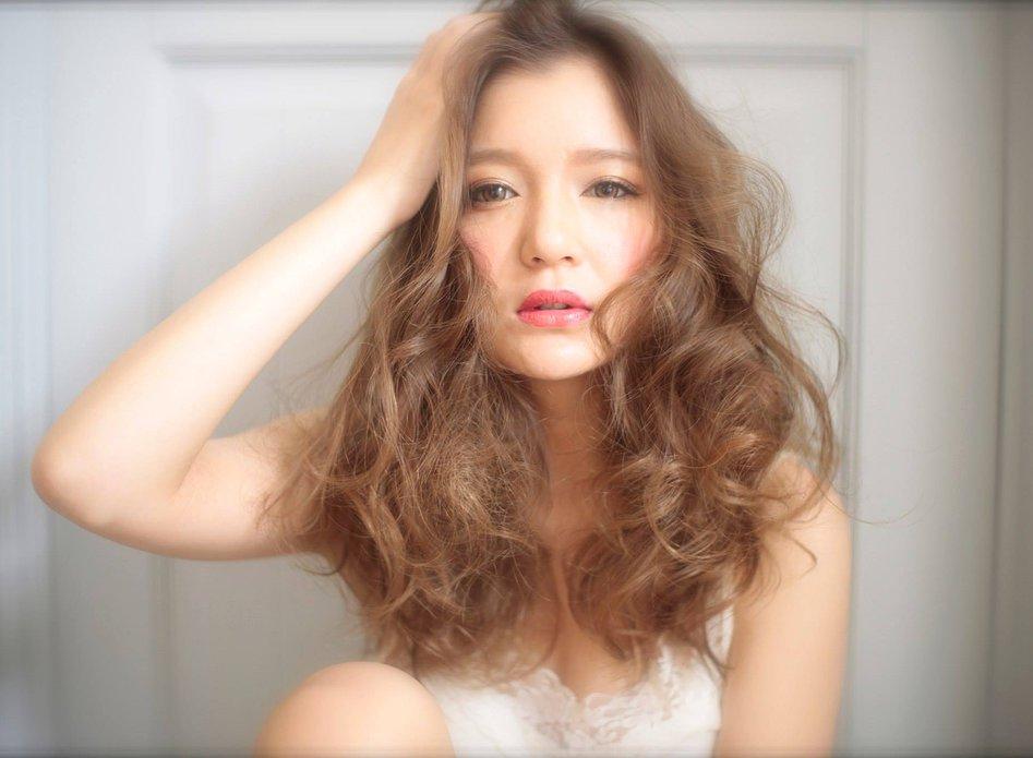 【美容師が教える】パーマを長持ちさせる8つの方法とコツは?のサムネイル画像