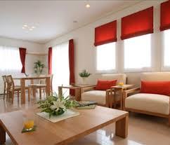 色や柄で左右される☆生活スタイルにあわせたカーテンの選び方のサムネイル画像