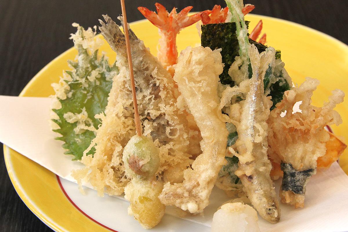 食材をより美味しく食べるために。一手間かける天ぷらのレシピのサムネイル画像