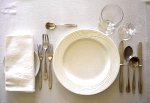 【フランス料理】これさえ覚えておけば怖くない!テーブルマナーのサムネイル画像