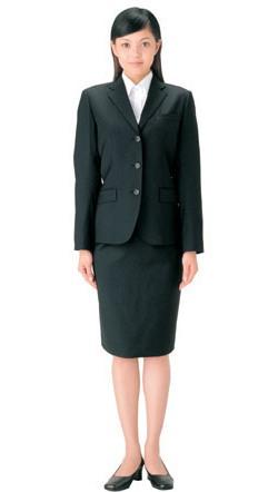 就活の時にスーツやブラウスはどうしたらいい!?選び方からご紹介!のサムネイル画像