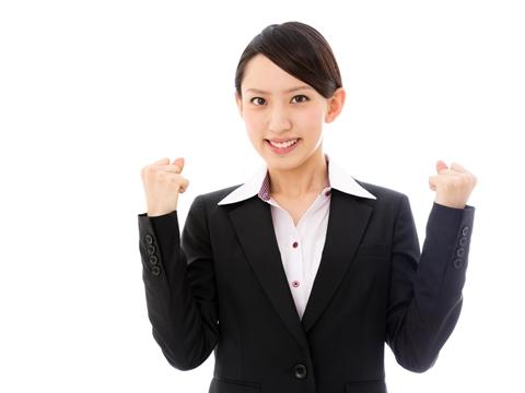 就活の時にスーツはどうする?女性の就活スタイルをご紹介!のサムネイル画像