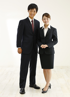 【就活】スーツ選びに困ってしまう!スーツブランドごとの戦略と特徴のサムネイル画像