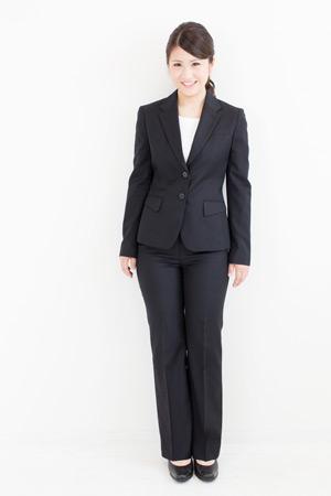 【就活】女性のスーツはどこで買う?自分に合ったスーツを探そう!のサムネイル画像
