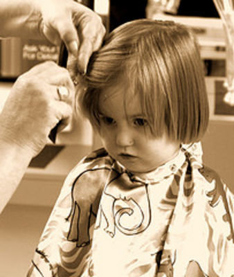髪を嫌がる子供でも大丈夫♪子供専門美容院に行ってみよう!のサムネイル画像