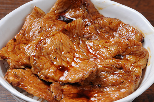 ごはんがもりもり食べられる!簡単おいしい豚丼のレシピ紹介します☆のサムネイル画像
