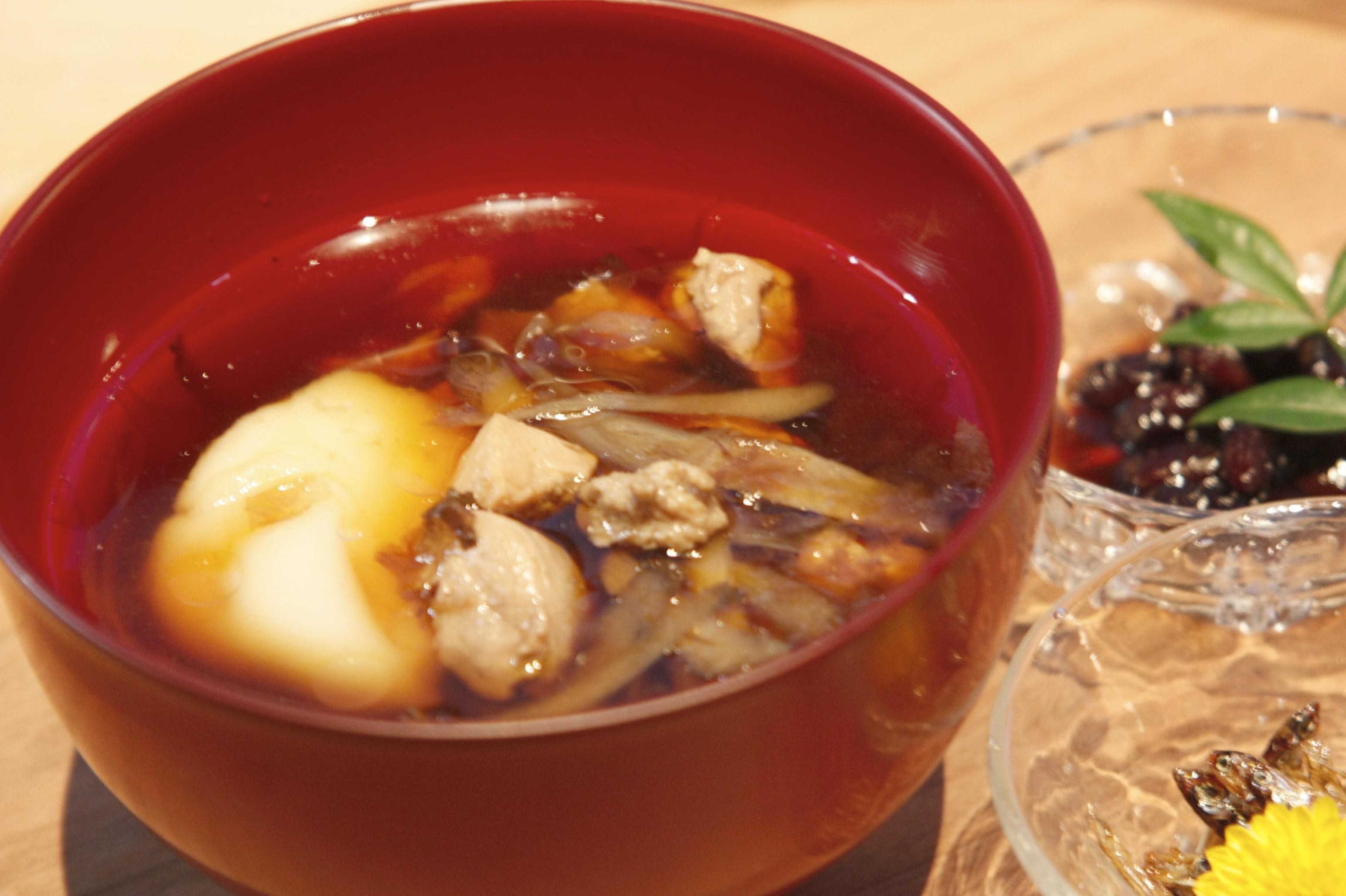 お正月にぜひ食べたい!すぐに作れるお雑煮のレシピを大公開☆のサムネイル画像
