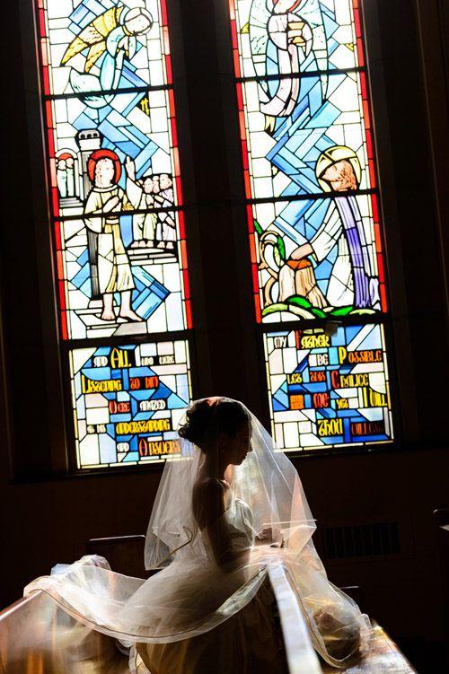 【教会 結婚式】教会で神様の前での永遠の誓いは女性の憧れ♪のサムネイル画像