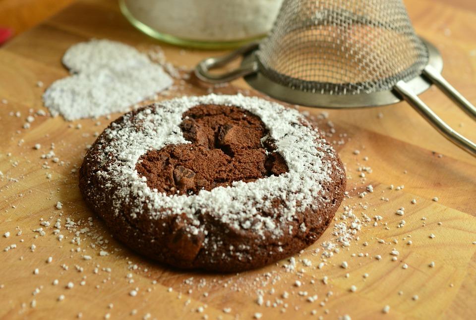 本命の彼に!バレンタインチョコの手作りレシピをご紹介します!のサムネイル画像