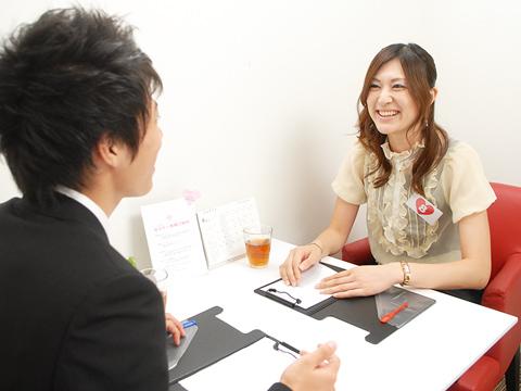 若い人が集まる東京でのお見合いパーティーはどんなものなのかのサムネイル画像