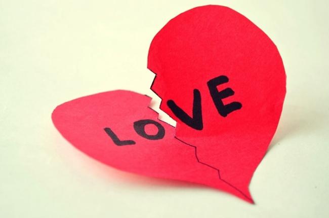 【しつこい元彼の特徴】上手な別れ方で新たに恋に進みましょう!のサムネイル画像
