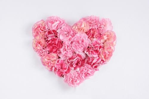 恋愛で悩んだ時に心に響く海外セレブたちの深い愛の名言集!のサムネイル画像