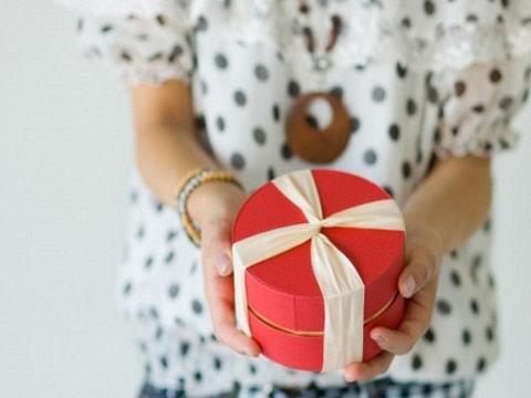 贈ると喜ばれると評判のプレゼントランキング!『名入れ』がオススメのサムネイル画像