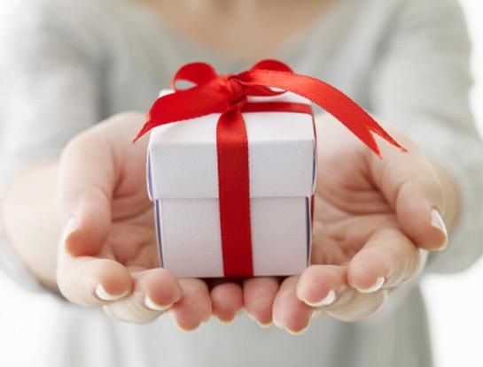 カップル必見♡付き合って一ヶ月記念日におすすめのプレゼント特集のサムネイル画像