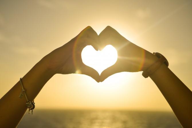 想像以上に怖い恋愛依存症。陥りやすい女性の特徴と治療方法は?のサムネイル画像